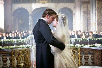 Robert Pattinson  Married on Robert Pattinson Getting Married In Bel Ami Movie Image