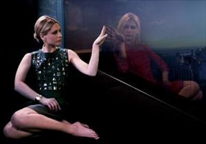 sarah michelle gellar in new ringer window image
