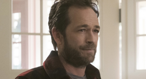 Riverdale Fred Andrews Star Luke Perry Sadly Suffered A Huge Stroke Yesterday Morning